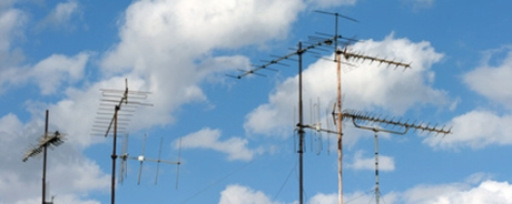 antenas in the sky