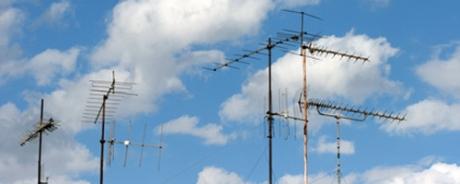antenas in the sky